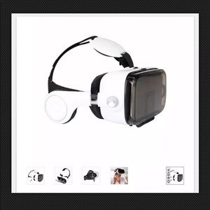 Smartphone VR Headset with Earphones in White
